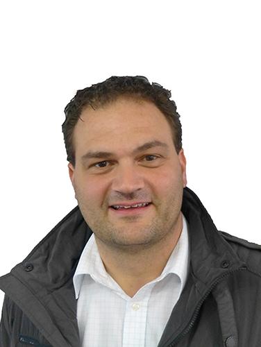 Erik TrösterBeruf: Bankkaufmann