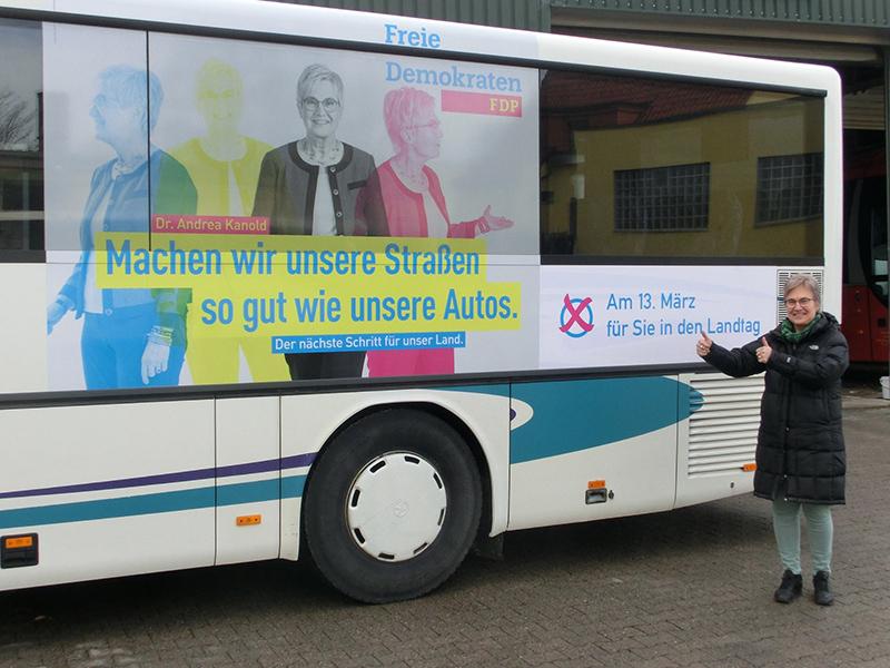 FDP Kandidatin Dr. Andrea Kanold, Buswerbung zur Landtagswahl
